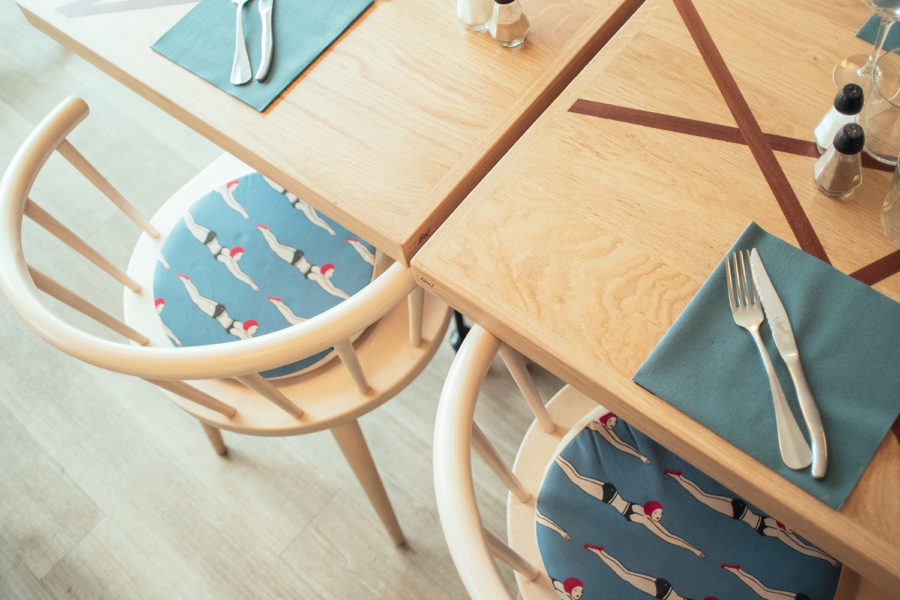 BW-table-restaurant-01