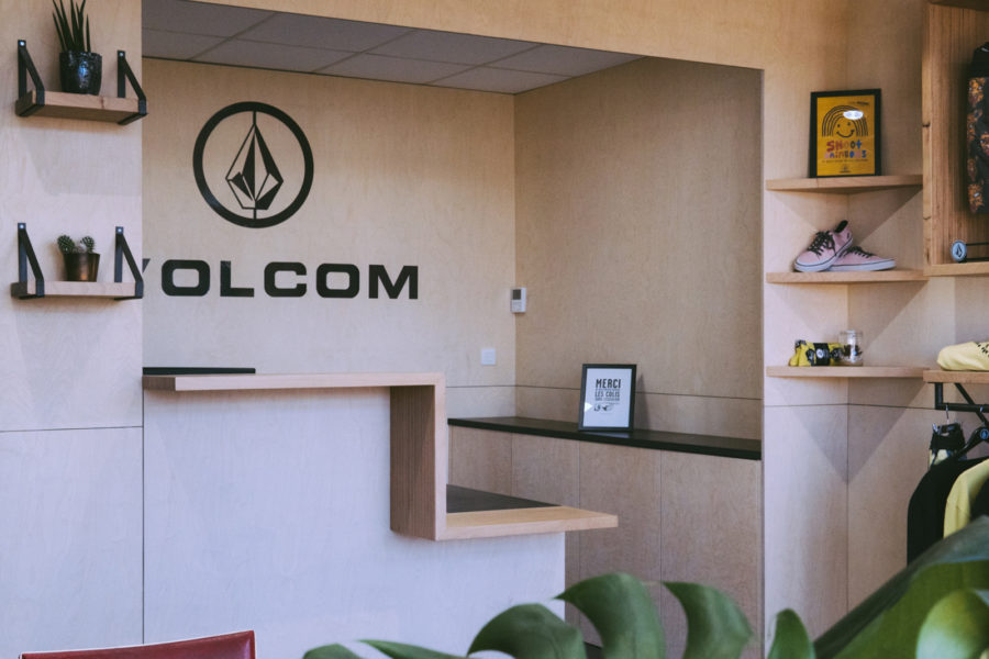 Agencement Acceuil Volcom-01